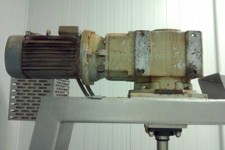 Conjunto motorreductor en marmita de 400 litros