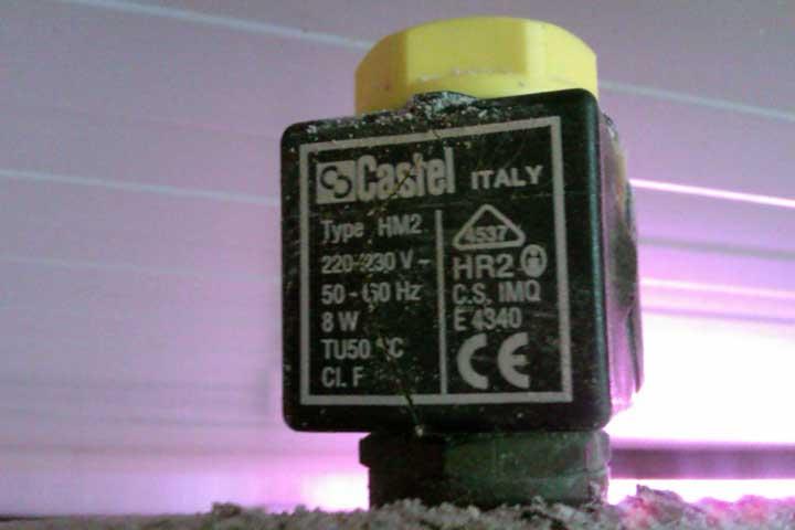 Electroválvula de solenoide agrietada