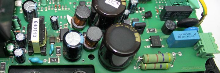 Filtro EMC que consta de un condensador en paralelo