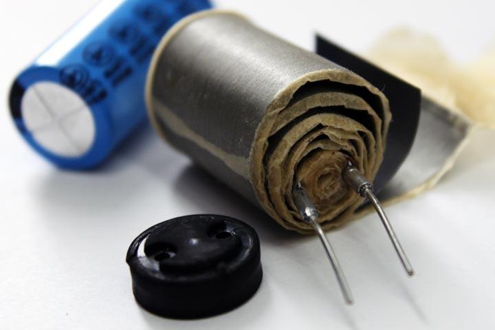 Condensador electrolítico